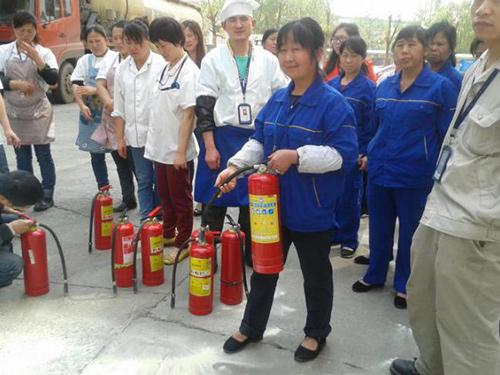 保洁员消防演习